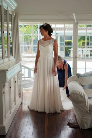 Real Bride Natasha in Amanda Wyatt