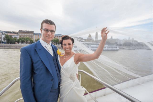 Real Bride Aliz in Enzoani