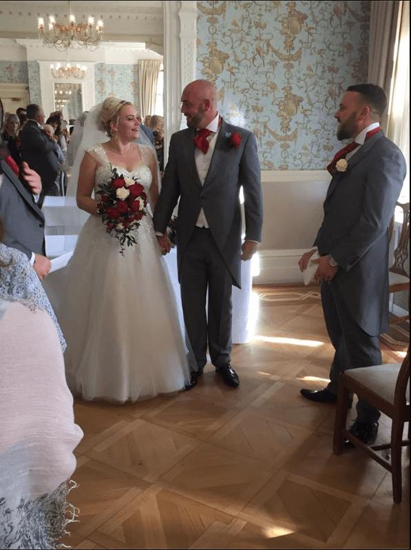 Real bride Sam in Amanda Wyatt