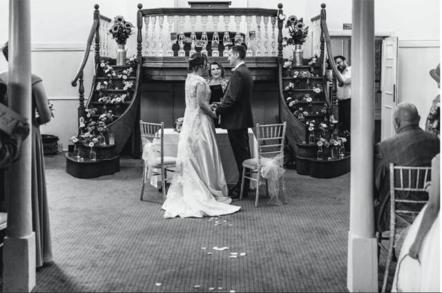 Real bride Vicki in Amanda Wyatt